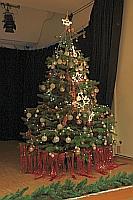 weihnachtliche Dekoration im Bürgersaal